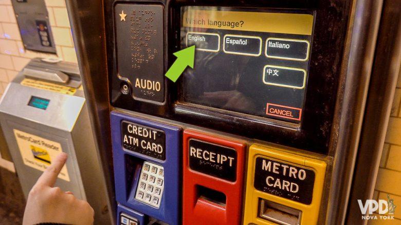 Como comprar metrocard - etapa 2 - Flecha indicando onde escolher o idioma