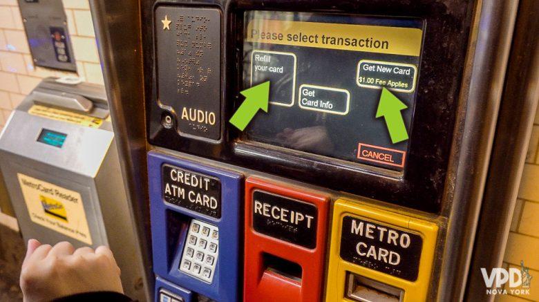 Como comprar metrocard - etapa 3 - Flecha indicando onde clicar para carregar um cartão ou para fazer um novo