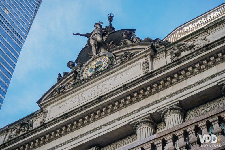 Fachada de um prédio histórico em Nova York - a Grand Central Station.