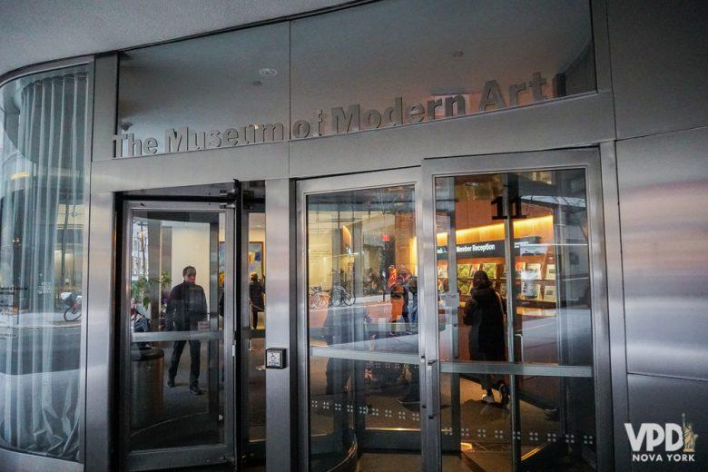 Foto da entrada do MoMA, Museum of Modern Art