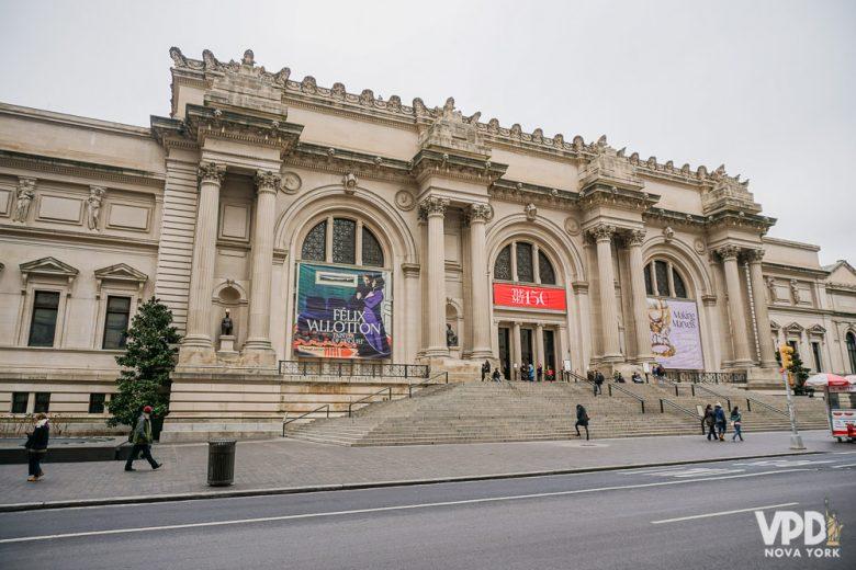 Foto da fachada do MET em Nova York