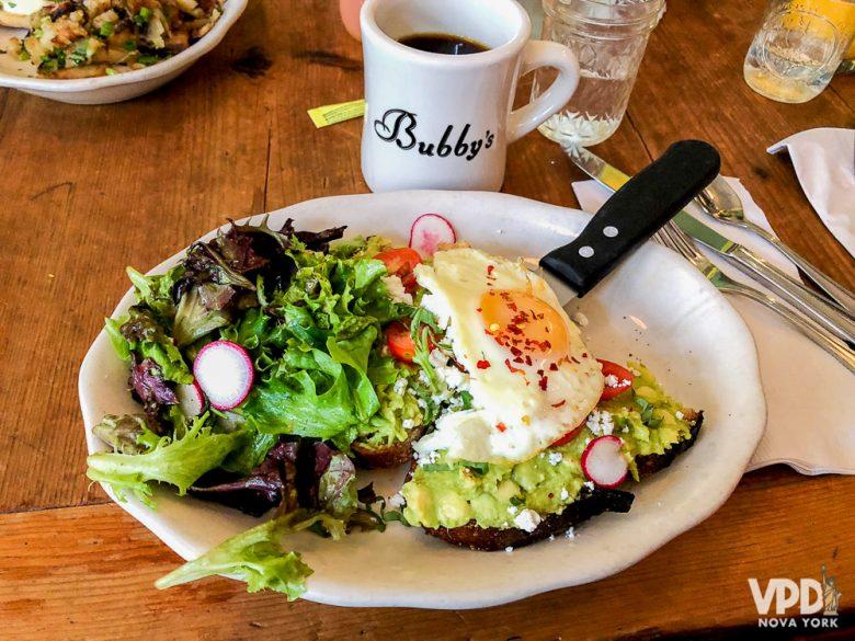 Comida do Bubby's, restaurante delicioso para brunch