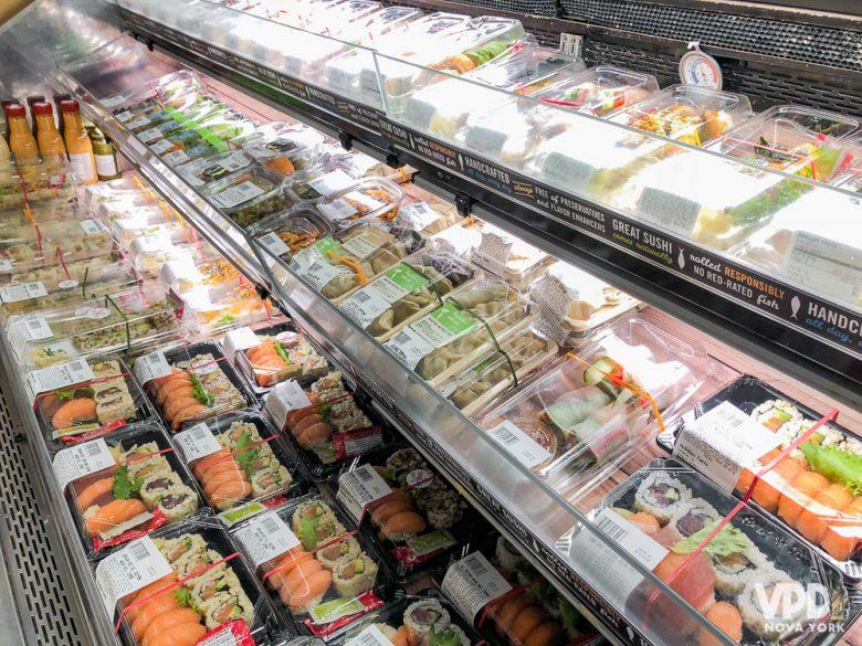 Comidas rápidas de supermercado as vezes quebram um galho.