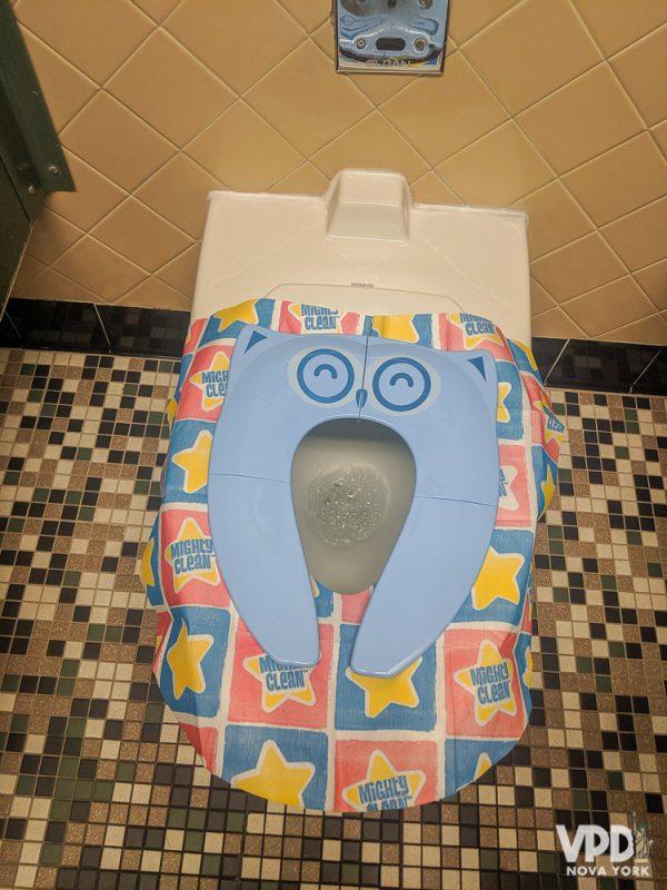 Foto do protetor de assento de vaso sanitário para crianças
